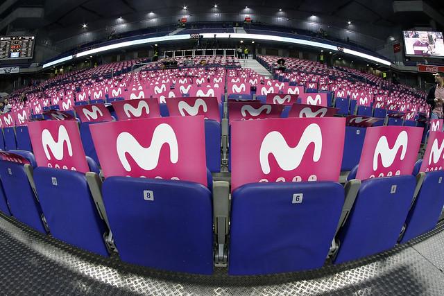 La grada y concursos del Movistar Estudiantes- FC Barcelona Lassa