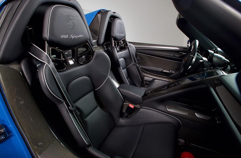 Barrett-Jackson-Porsche-918-Spyder-4