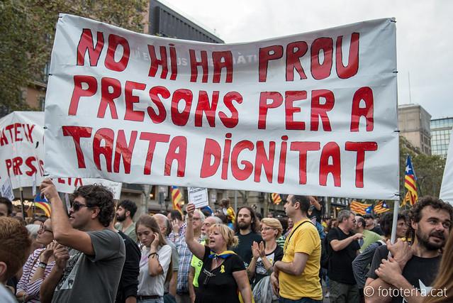 Manifestació per la llibertat de Jordi Sánchez i Jordi Cuixart
