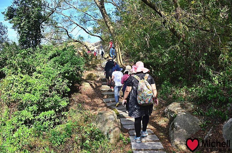 來到太武山古道,其實只需要輕便的登山裝扮,不需要很複雜的登山重裝備唷