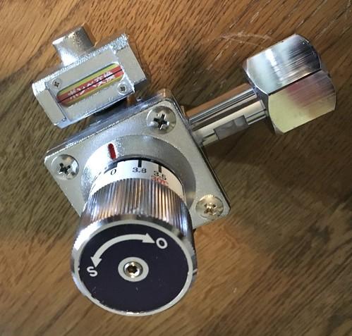 R204 レギュレーター