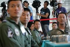 10.02 總統慰勉「空軍第499戰術戰鬥機聯隊」,並一同用餐