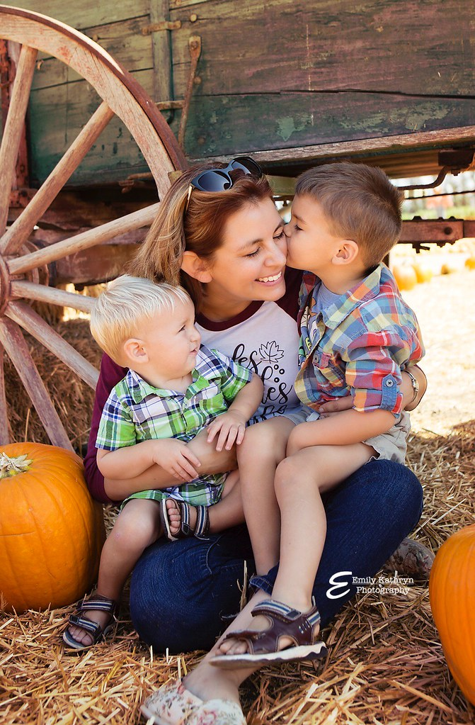 pumpkin patch photo shoot