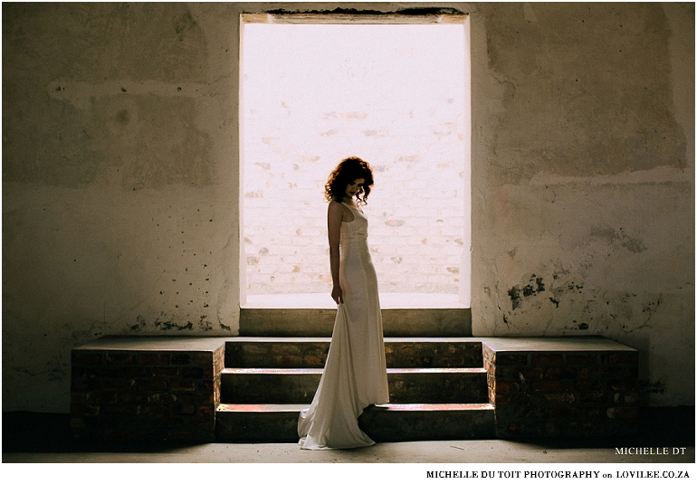 Minimalist wedding inspiration - Minimalist wedding dress by Janita Toerien