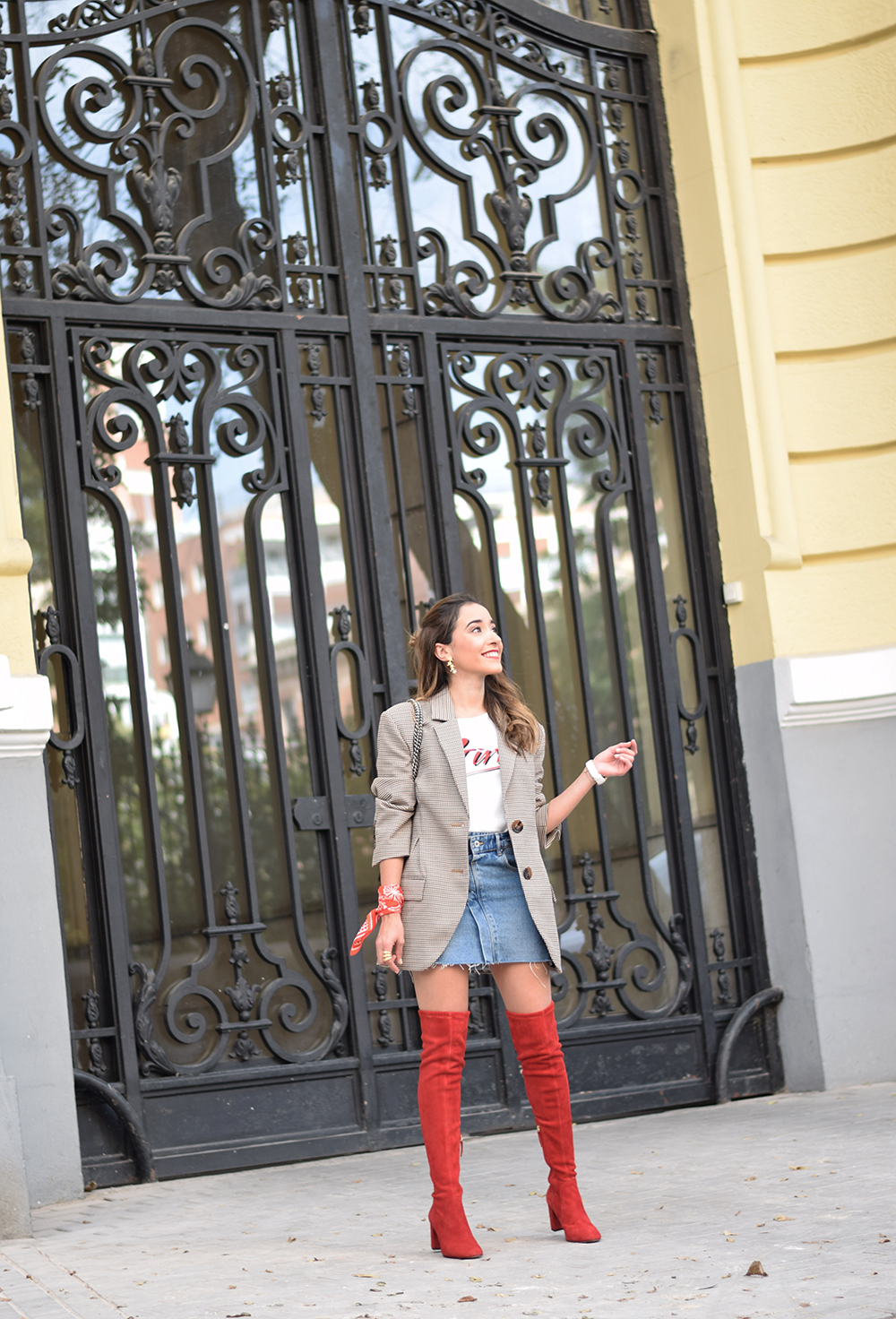 Houndstooth blazer denim skirt gucci bag red over the knee boots autumn outfit style fashion08
