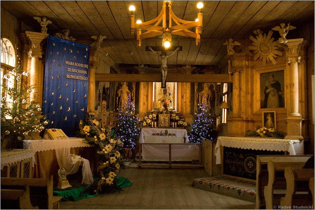 Wnętrze kościółka na Pęksowym Brzyzku