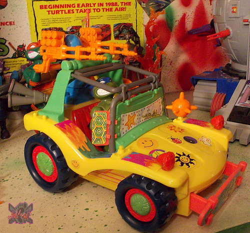 TEENAGE MUTANT NINJA TURTLES :: MIKE'S KOWABUNGA SURF BUGGY .. turns xiii (( 1991 ))