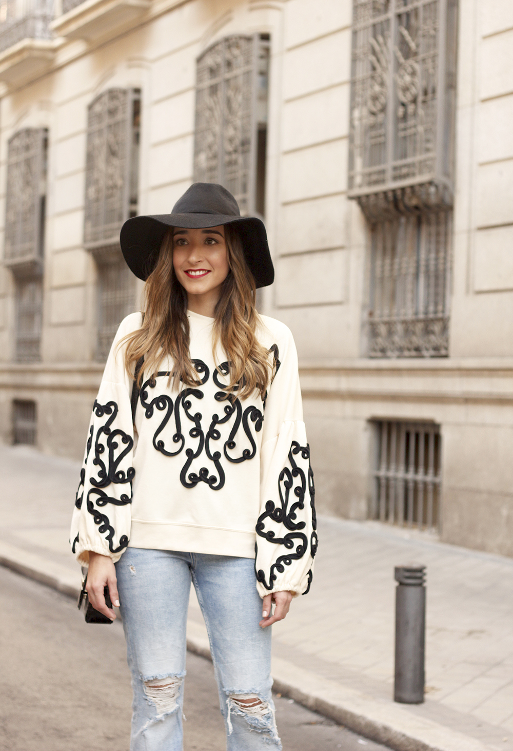 black and white sweatshirt ripped jeans black hat givenchy uterqüe jewel heels 09
