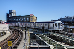 NYC Subway - Myrtle/Wyckoff Station - M shuttle train - R-42 4838
