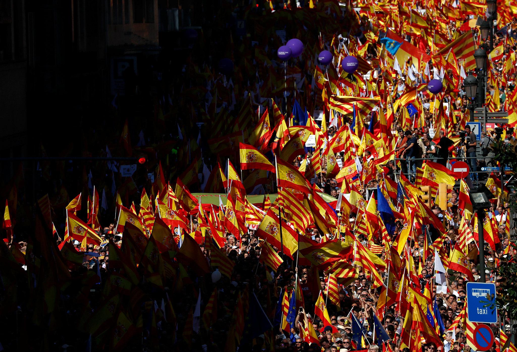 8-0: MANIFESTACIÓN POR LA UNIDAD DE ESPAÑA