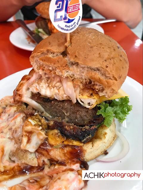 Mexican Extravaganza Beef Cheese burger