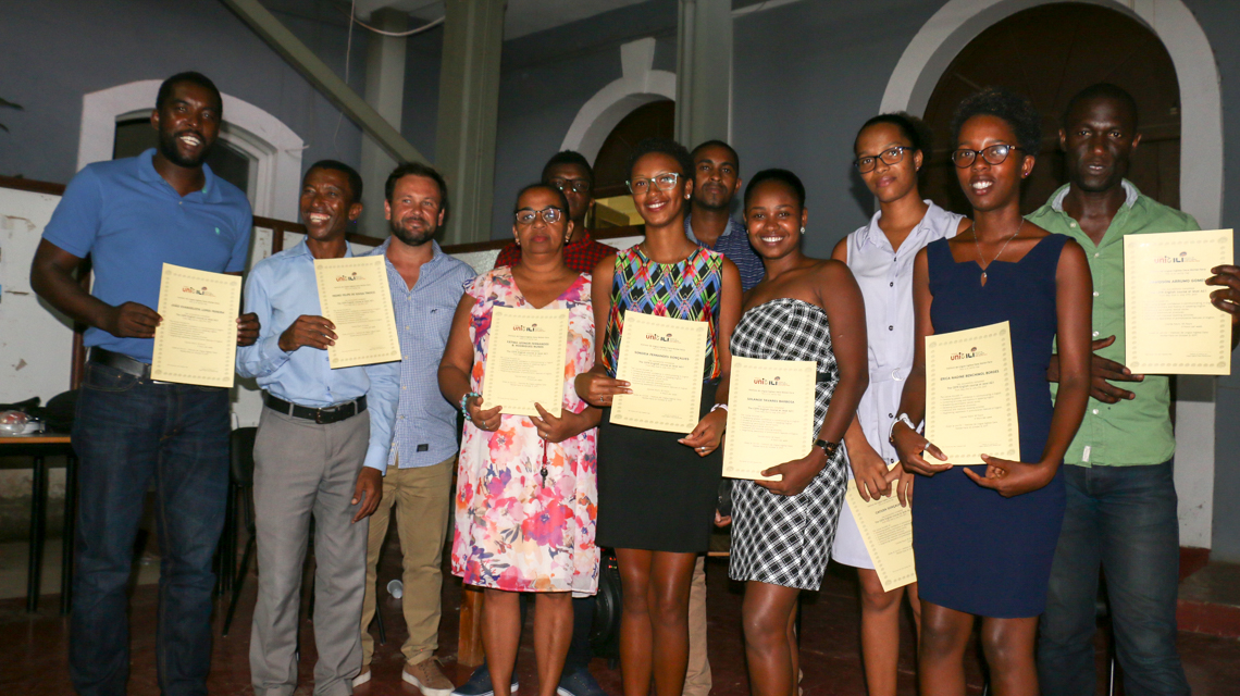 Instituto da Língua Inglesa entrega certificados