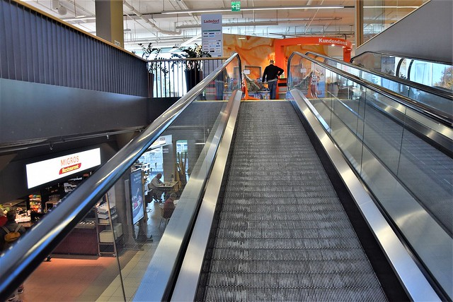 Stairs in Migros 11.10 (4)