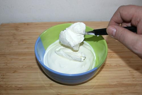 30 - Joghurt & Quark in Schüssel geben / Put yoghurt & curd in bowl