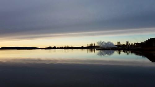 sunrise lake laugarvatn iceland water reflection oeiriks