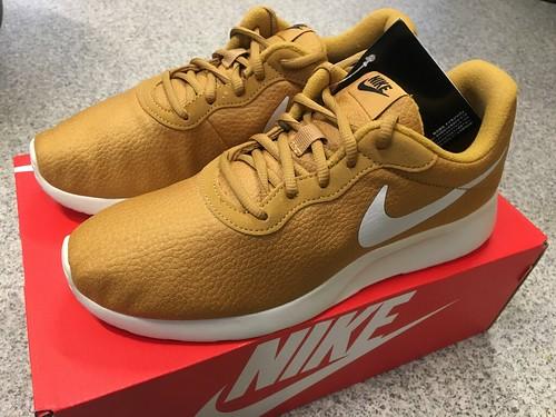 Nike Tanjun Premium