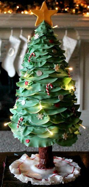 3D Lighted Christmas Tree Cake - CakesDecor.com