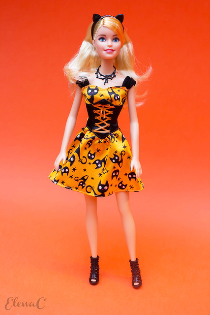 Barbie Halloween 2015 (Halloween Magic)