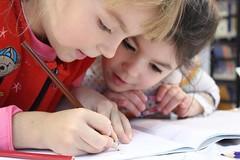Как развлекают детей в школах и детских садах Витебска за наши деньги