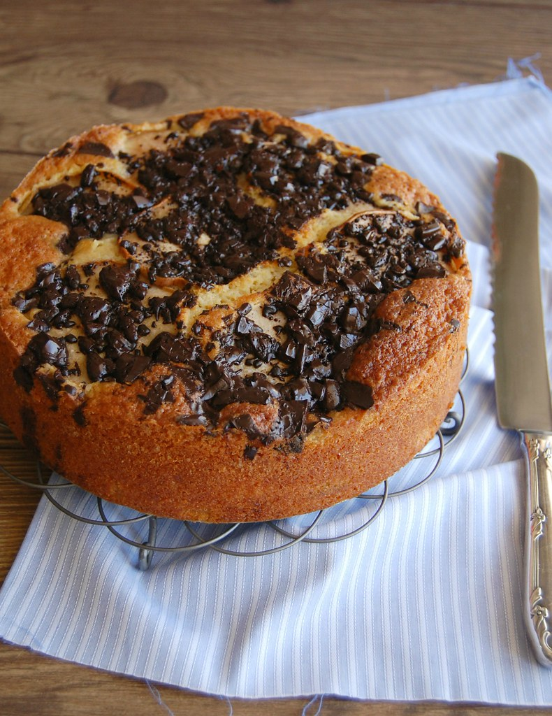 Pear, olive oil and chocolate cake / Bolo de pera, azeite de oliva e chocolate