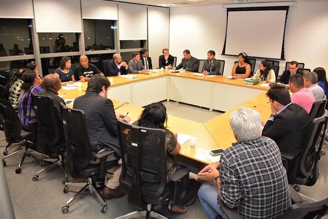 Reunião com os catadores da CENTCOOP, Representantes do MPDFT, MTE, DPU, Defensoria Pública do DF, Casa Civil, SLU, SEDESTMIDH e SEMA