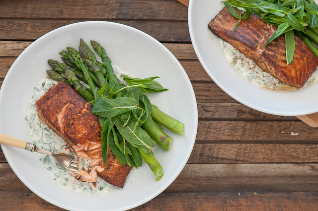 Indian Spiced Salmon with Minty Yoghurt--3