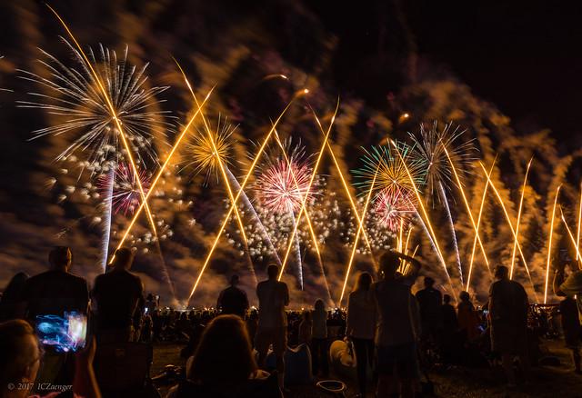 2017 EAA Sat Night fireworks 01
