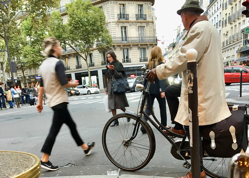 Paris bikes and street scenes-49.jpg