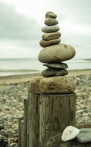 20170329-08_Stone Stacking Fun_Stoupe Beck Sands