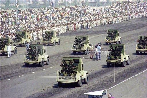 Shmel-egypt-parade-19741006-ap-1