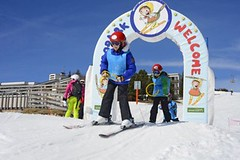 Kam s dětmi na lyže: doma, nebo zahraničí?