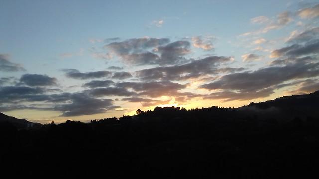 amanecer  en   este  día otoñal en  Muskiz