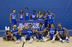 Women's Basketball team 17-18 8H0B3757