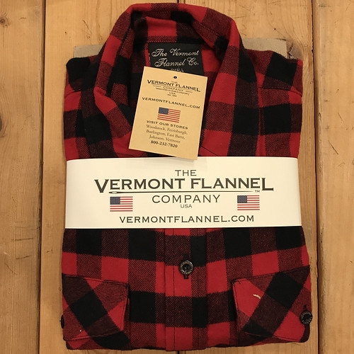 THE VERMONT FLANNEL:RED BUFFALO