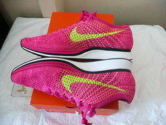 "NIKE FLYKNIT RACER (2015) Size 11 ""Fireberry"" 2015 [526628-607]  volt-pink flash"