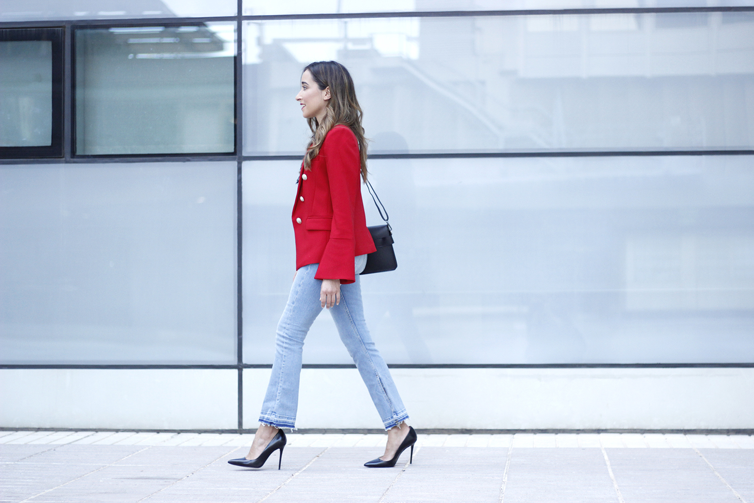 red blazer black heels bee bag denim lace top style fashion outfit trend autumn01