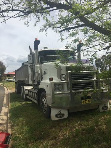 MACK at Lucknow, NSW