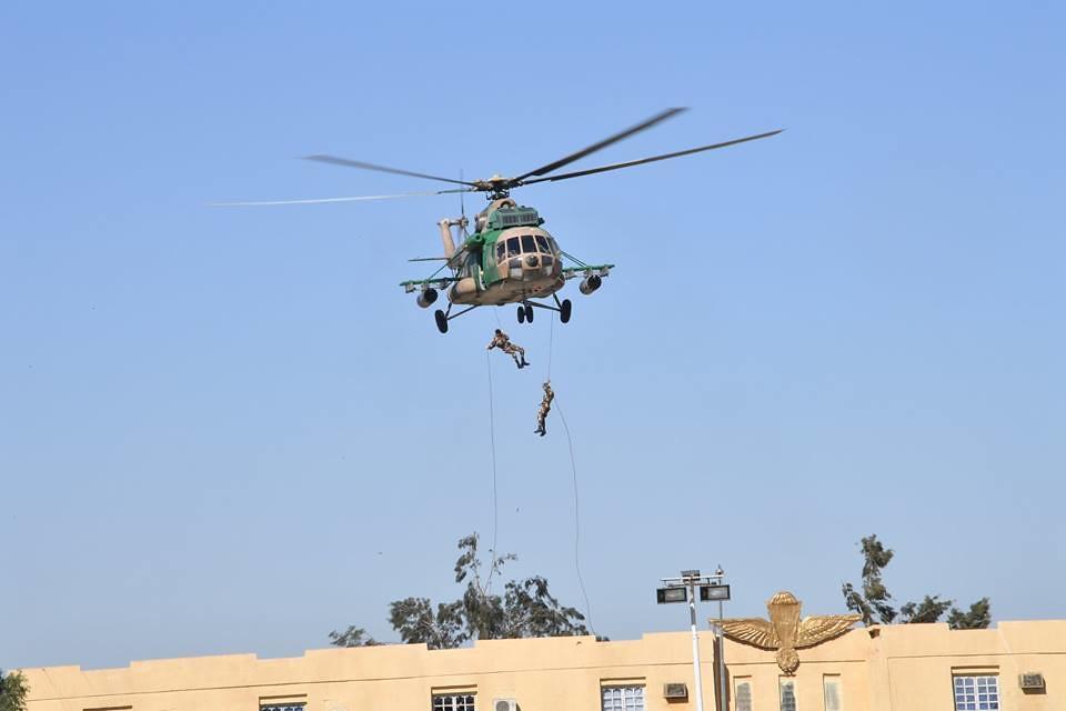 موسوعة الصور الرائعة للقوات الخاصة الجزائرية - صفحة 63 37912838266_a2e0089d02_b