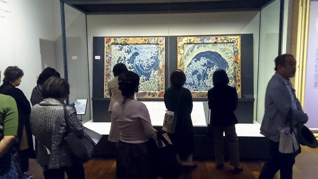 「濤図」の2作品が展示された会場(あべのハルカス美術館)