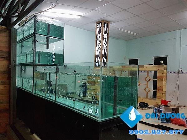 Dàn chứa hải sản nhà hàng Hương Biển