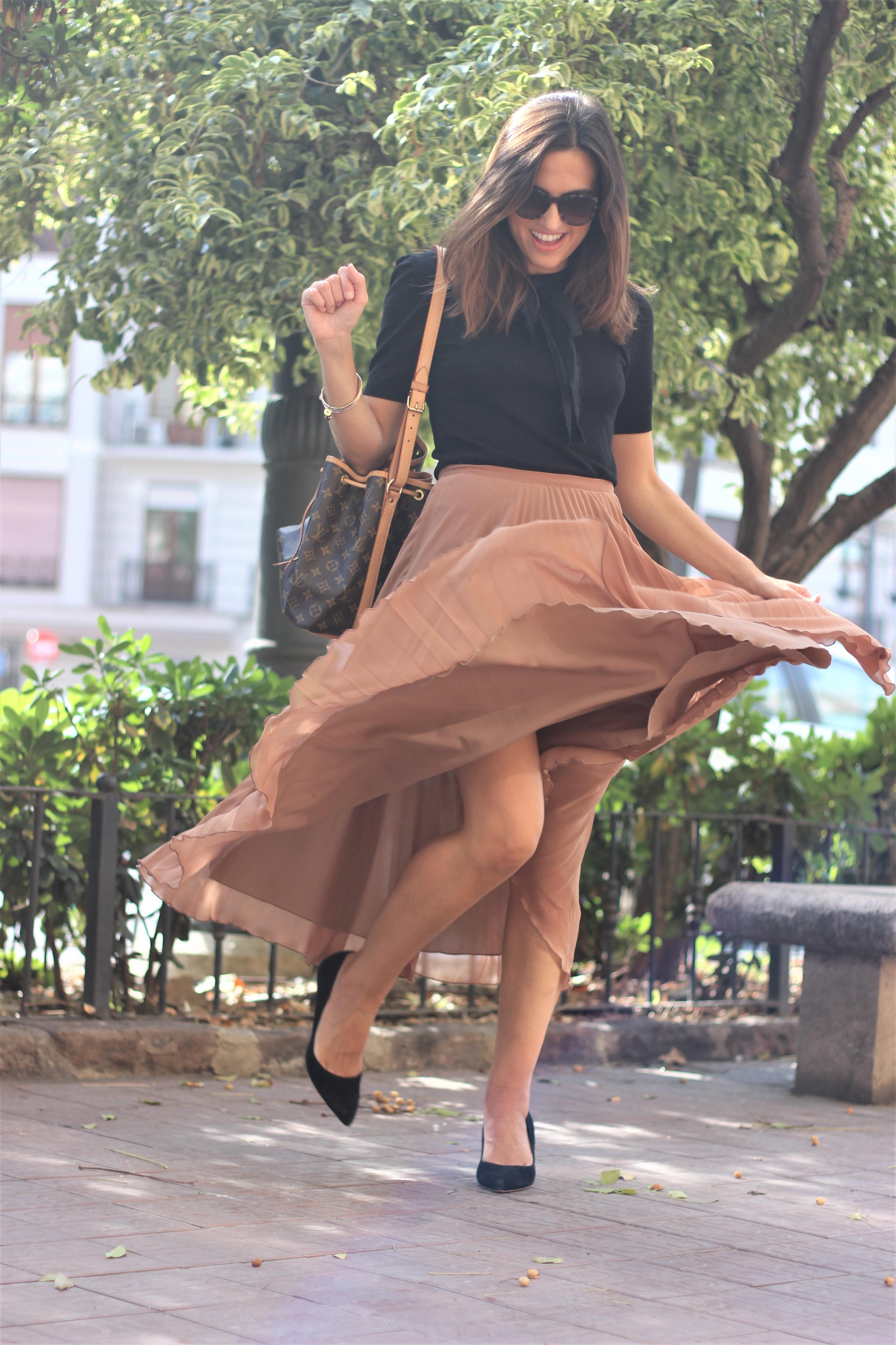 Falda plisada_ Rojo Valentino Blog (49)