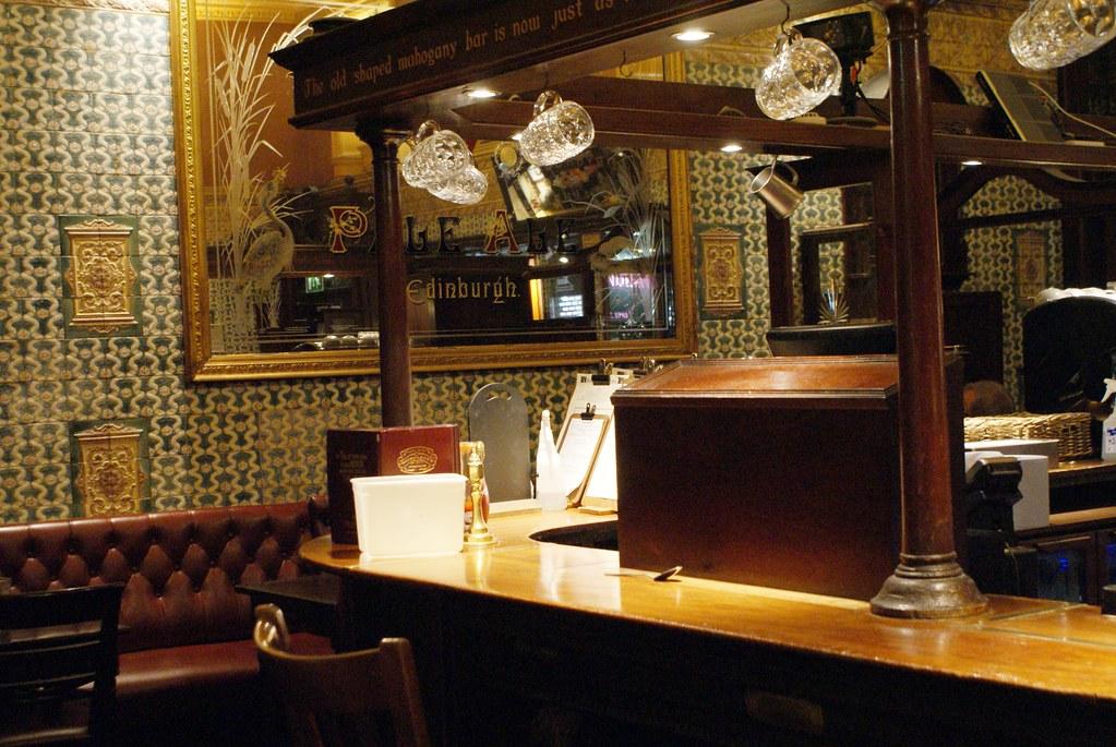 Le pub historique The Kenilworth à Edimbourg.