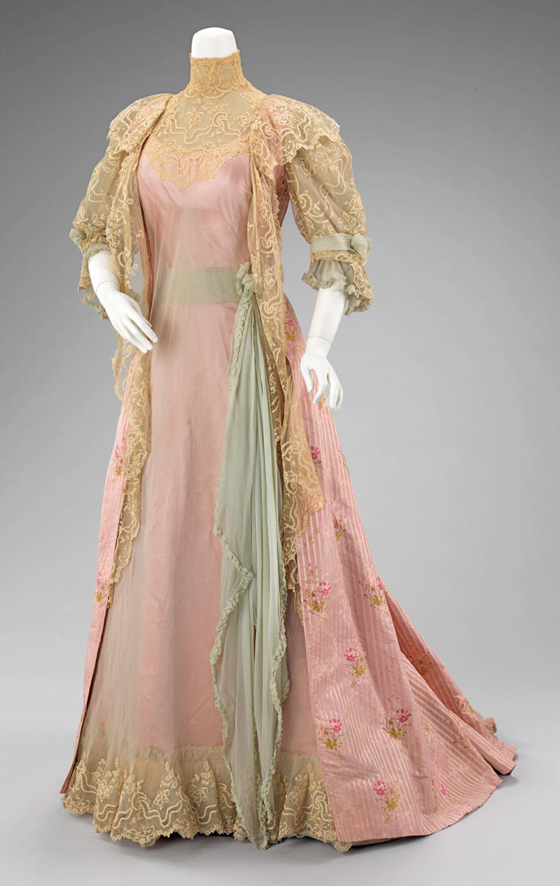 1900 Tea gown. French. House of Worth. metmuseum