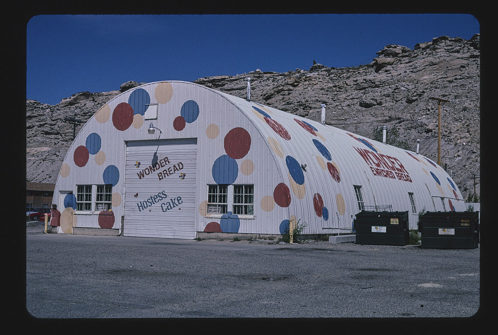 Wonder Bread Store, B-80, Rock Springs, Wyoming (LOC)