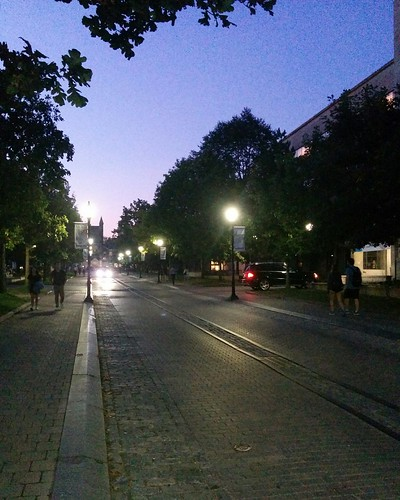 North up King's College Road #toronto #universityoftoronto #kingscollegeroad #evening #latergram