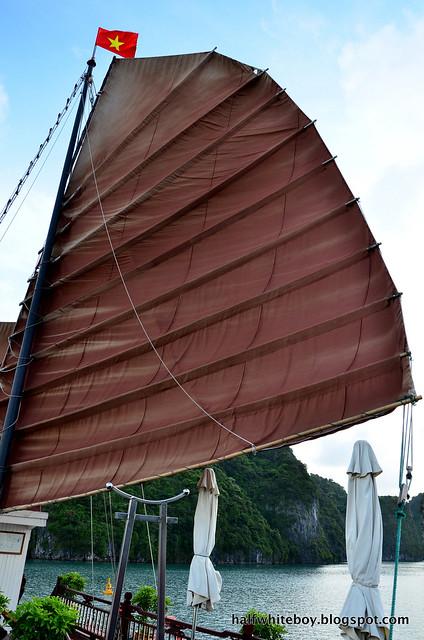 halfwhiteboy - halong bay cruise 35