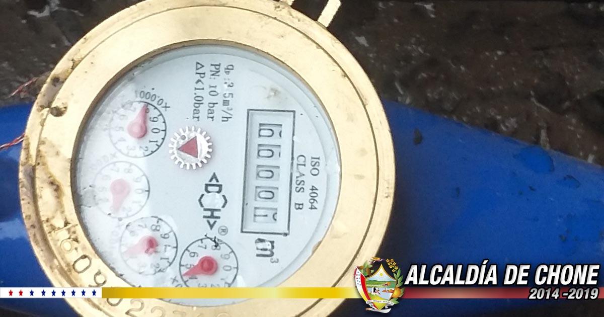Aguas del Chuno continúa instalando nuevos medidores