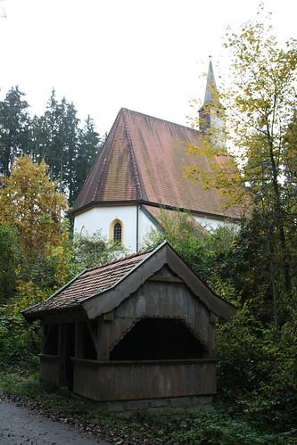 Quelle bei der katholischen Nebenkirche St. Koloman in der Lebenau