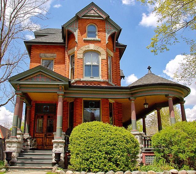 Stratford Ontario  ~ Canada  ~   Beautful Victorian Architecture