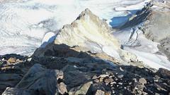 Zejście ze szczytu Marjanishvili 3555m jego północno-wsch. grania.